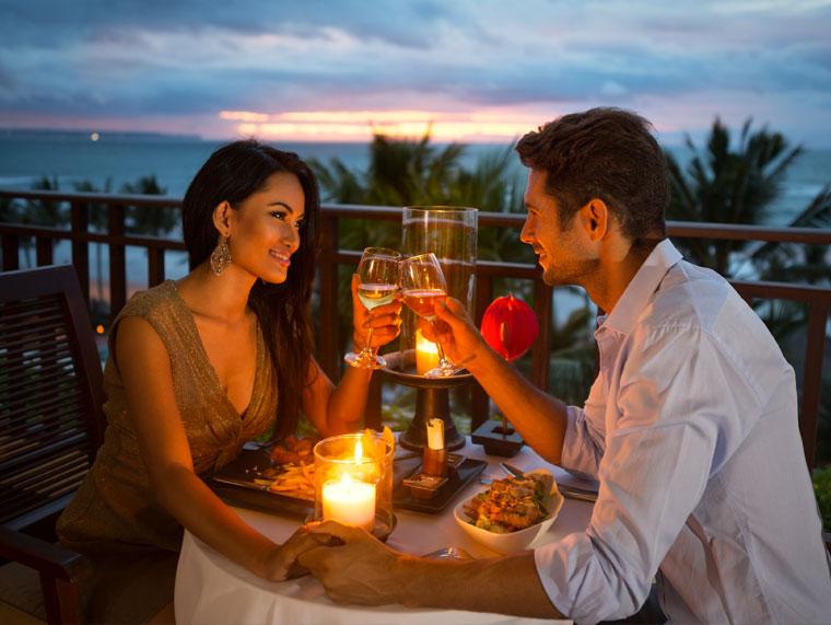 Un dîner romantique aux chandelles